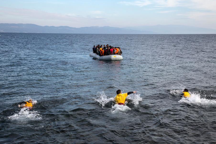Lesbos, 2015. Foto: Roger Lemoyne / Redux.