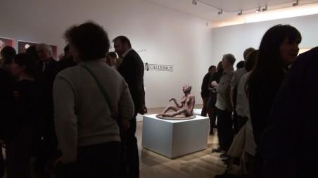 'Zelfportret zonder kleren' van Mubuku Kipala tijdens de opening op 'Artes Mundi 6' in Cardiff (Verenigd Koninkrijk). Foto: Renzo Martens / IHA