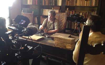 Graaf Niccolò Capponi in gesprek met Lucas De Man en Tomas Vanheste. Foto: Kimberly Major