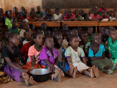 Eerste klas op de basisschool. Dickisoni, 2015. Foto: Jan Banning