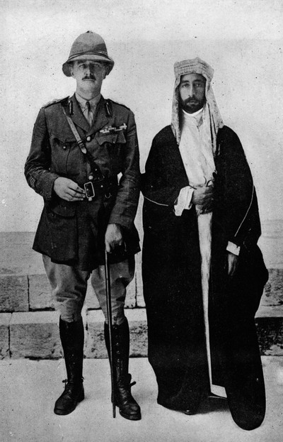 Edmund Henry Hynman Allenby (links) en Koning Faisel I (rechts). Foto: getty images