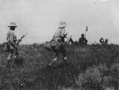 Turkse soldaten geven zich over in het gebied nabij Kirkuk, 1918. Foto: Getty Images