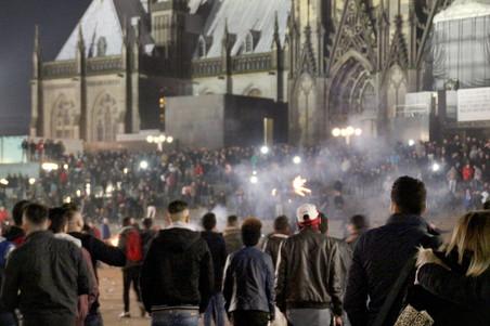 Oudjaarsnacht in Keulen. Foto: Markus Boehm / AFP