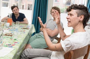 V.l.n.r. Casper Vuurmans, Lienne Boomsma en Jonah Lamers. Foto: Marijn Kuijper (voor De Correspondent)