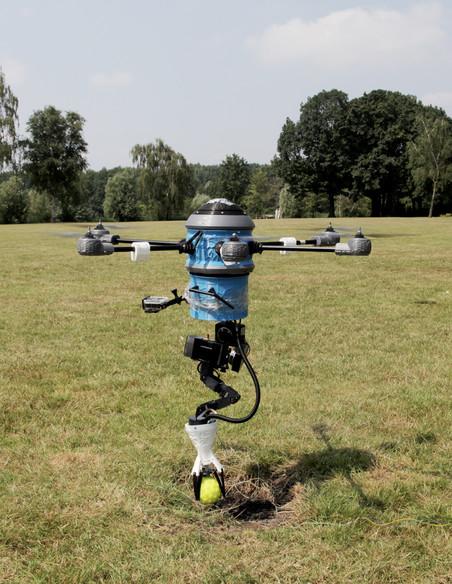 Een demonstratie van de Mine Kafon Drone.
