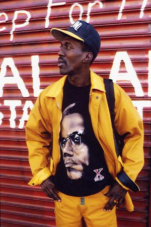 Malcolm X-mode op de straten van Harlem in 1992, New York City. Foto: John van Hasselt / Sygma via Getty Images