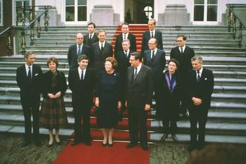 Het kabinet-Lubbers I op de trappen van paleis Huis ten Bosch, 1984. Foto: ANP