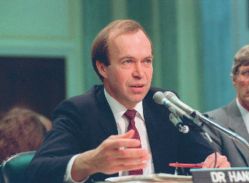De klimaatwetenschapper James Hansen in 1988.