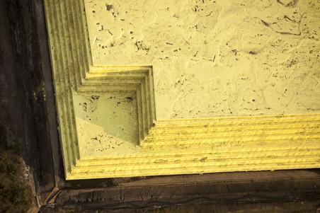 Uit ruwe bitumen moet zwavel worden onttrokken, dat vervolgens in bergen wordt opgeslagen. Dit is onderdeel van de open mijn bij Fort McMurray in Canada. Foto's: Hollandse Hoogte