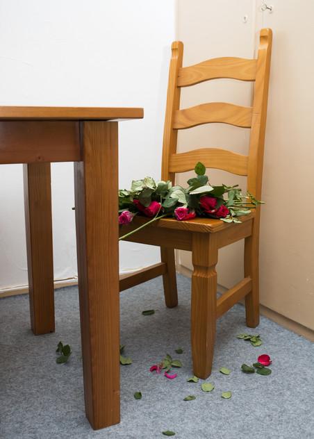 Op rozen zitten. Foto: Annegien van Doorn (voor De Correspondent)