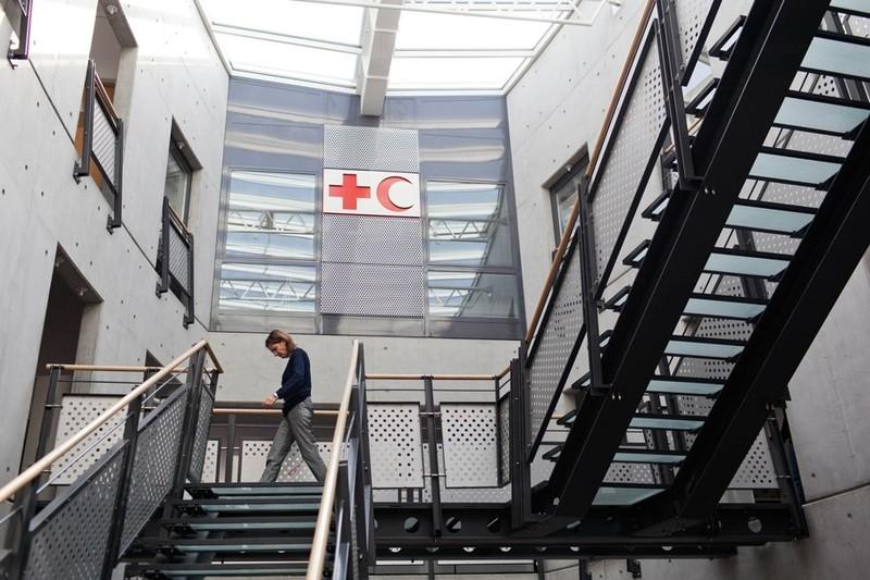 Een paar jaar terug bezocht ik het hoofdkwartier van het internationale Rode Kruis in Genève. Foto: Pieter van den Boogert.