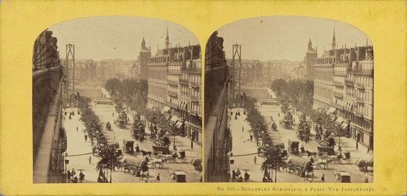 Stereofoto. Gezicht op de Boulevard Sébastopol in Parijs, anoniem, ca. 1860 - ca. 1880. Bron: Rijksmuseum.