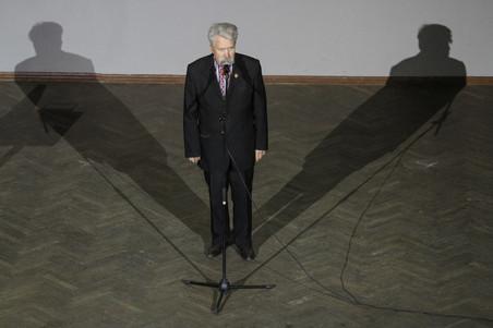 Sovjet-dissident Levko Lukyanenko spreekt tijdens het congres voor de oprichting van de extreemrechtse politieke partij 'Nationaal Korps' in oktober 2016. Foto: Sergii Kharchenko / Getty