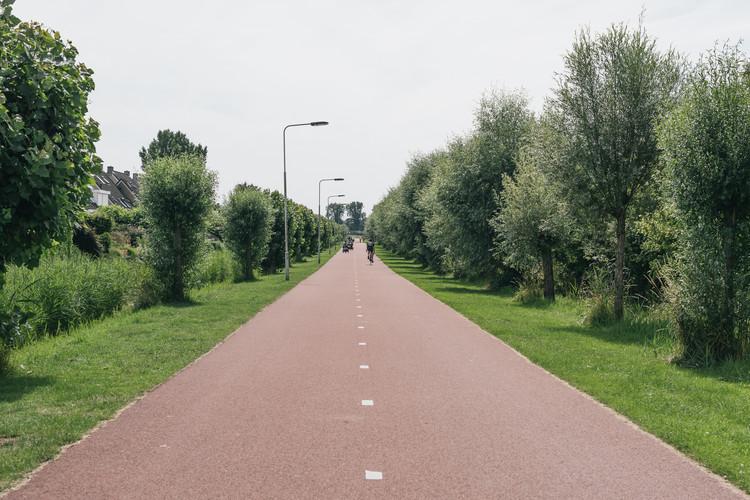 Het Rijnwaalpad tussen Arnhem en Nijnmegen. Foto: Yorit Kluitman