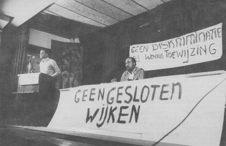 Protest tegen gesloten wijken en discriminatie bij woningtoewijzing. Foto: LOSON