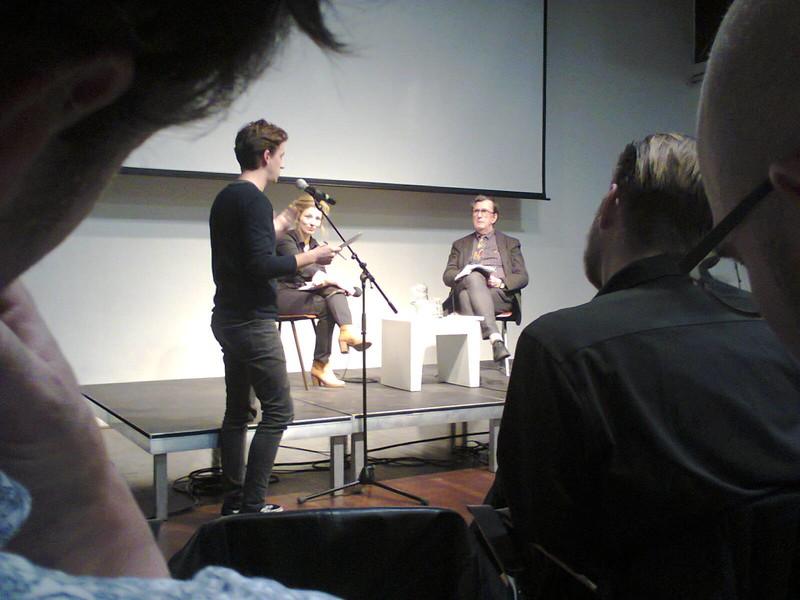 Hier vraag ik Latour naar zijn ideeën over oorlog en vrede. Foto: Rokus Hofstede