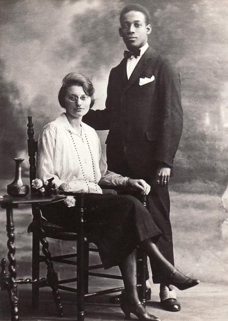 Het trouwportret van Anton de Kom en Petronella C. Borsboom. Foto: Familiearchief