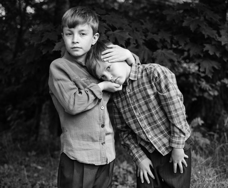 Uit de serie Siblings door Nelli Palomaki.