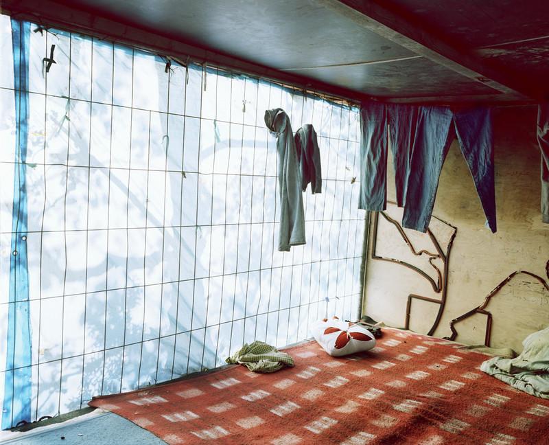Calais (2009), uit de serie Shelter van Henk Wildschut.