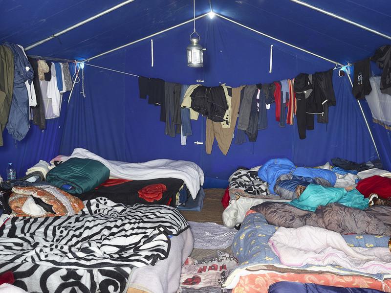 Calais (2016), uit de serie Shelter van Henk Wildschut.