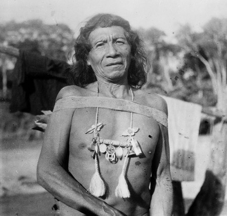 Het Oyana-opperhoofd Apetina, 1952. Collectie Tropenmuseum, fotograaf onbekend