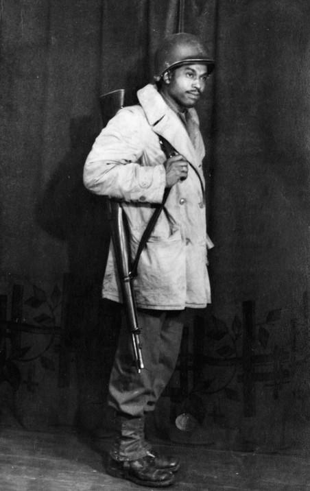 Soldaat Frank R. Barner, gestationeerd in Elsloo. Foto: onbekend