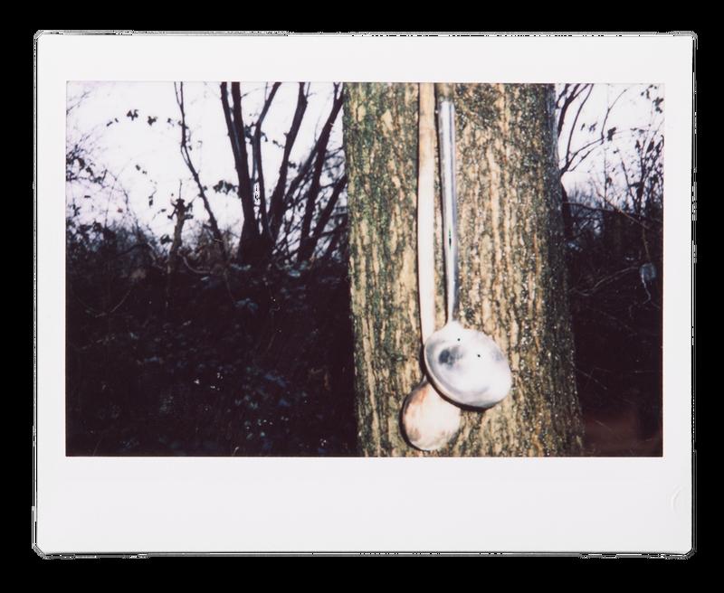Foto's: Johannes Visser, uit zijn serie 'Kan er niet gewoon een fotograaf mee op pad?'
