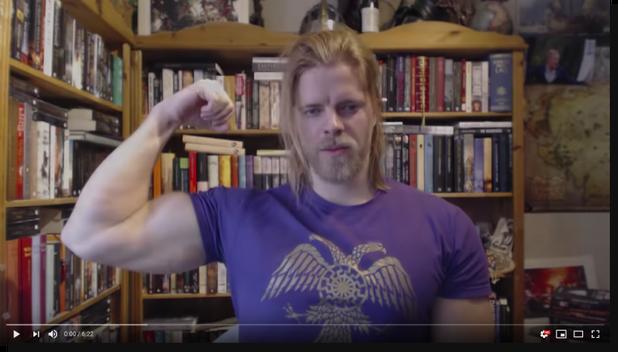 Zweedse alt-right-beroemdheid The Golden One
