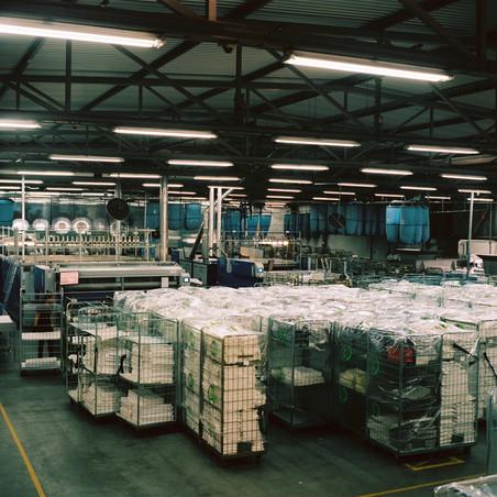 Het bedrijventerrein Schaapsdrift in Renkum is een van de negentien terreinen in Nederland die zich toeleggen op verduurzaming. In de 'industrie' moet 14,3 megaton CO2-reductie zijn gehaald in 2030. Foto's: Michael Rhebergen (voor De Correspondent).