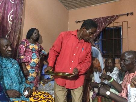 Op bezoek bij de traditionele leider van het Iyede-koninkrijk, His Royal Mayesty (Dr.) Ogheneovo Ekwe II JP. Foto's: Maite Vermeulen