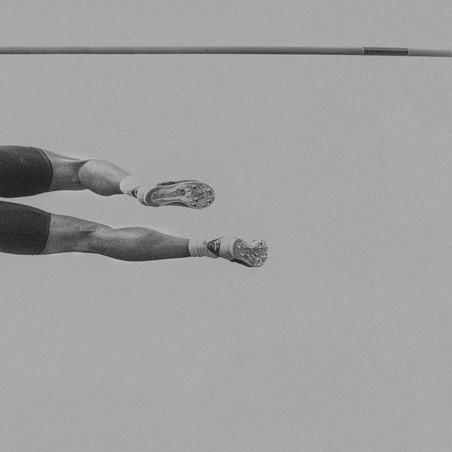 Uit de serie Pole Vault door Klaus Lenzen