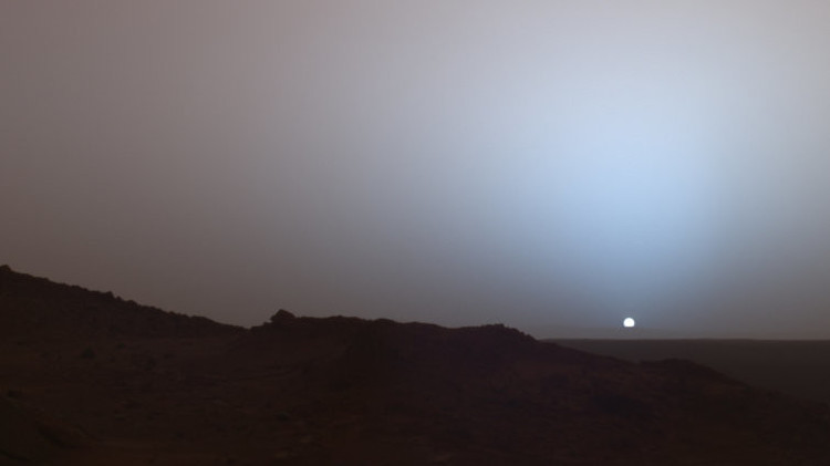 Dit beeld is gemaakt door de Spirit, een onbemand robotwagentje dat in 2003 naar Mars werd gestuurd, ook voor wetenschappelijk onderzoek Hij was actief tot 2010. Beeld: Spirit / NASA